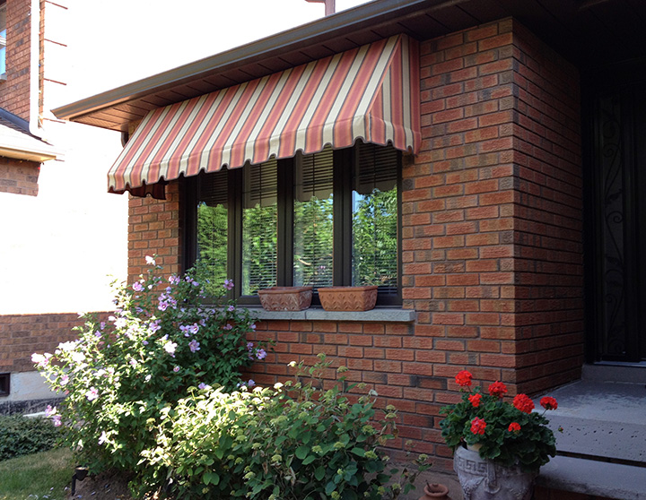 Awning-trad-beige-white